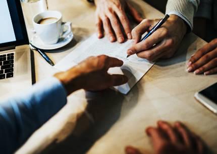 Можем ли онлайн да открием добър адвокат по застрахователни дела